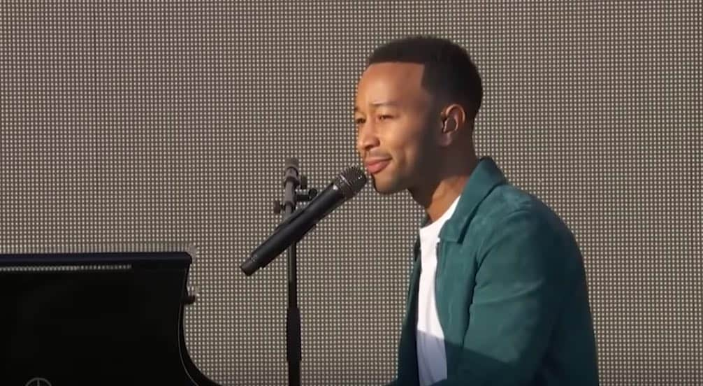 All pictures by me john legend lyrics musica